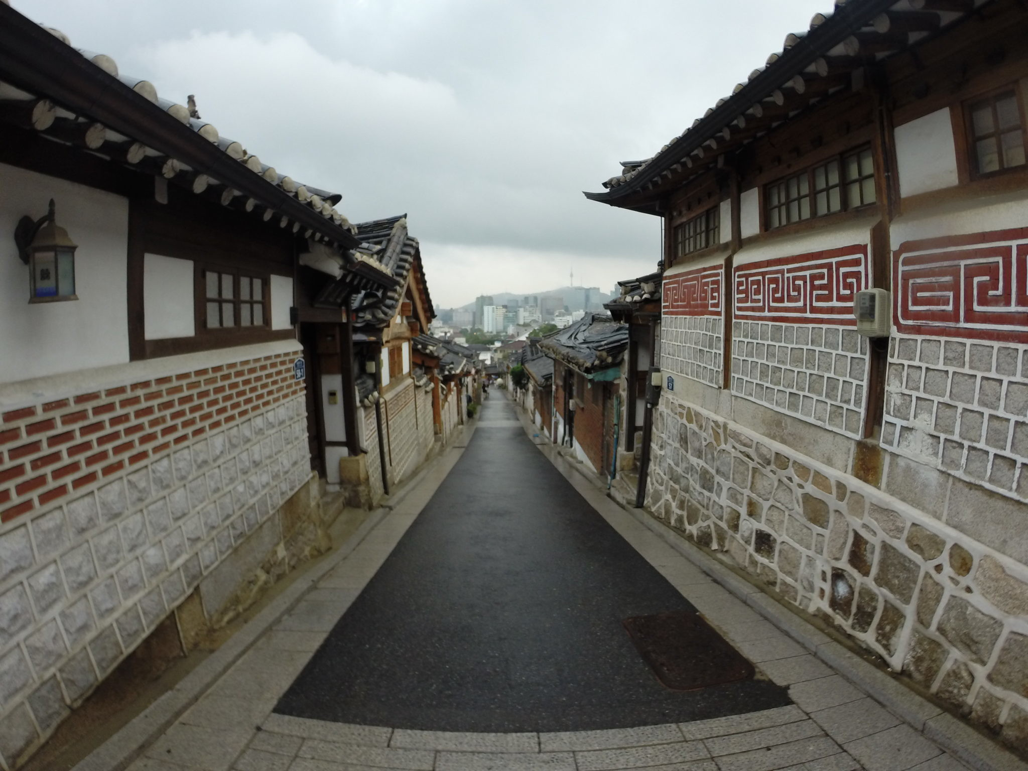 Mixing Work And Pleasure In Seoul